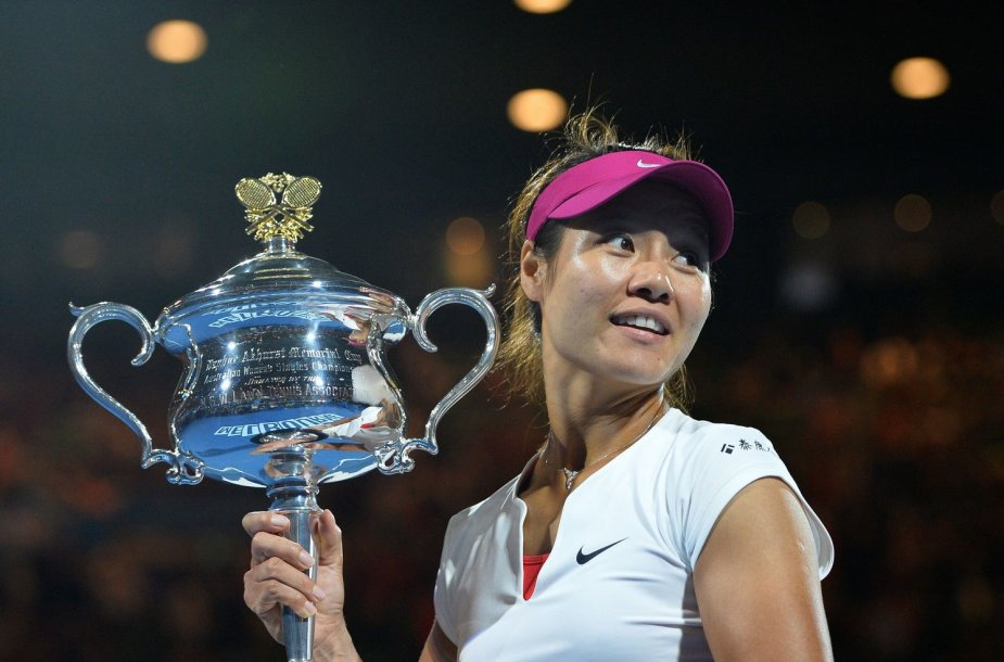 "Li Na su ""Australian Open"" trofėjumi"