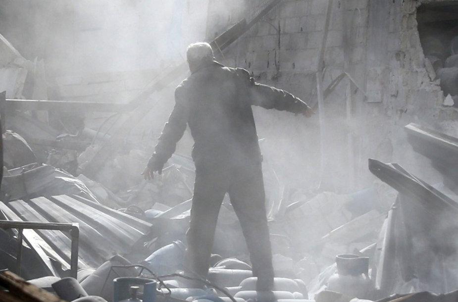 Per Rusijos aviacijos antskrydžius Rytų Sirijoje žuvo mažiausiai 21 civilis