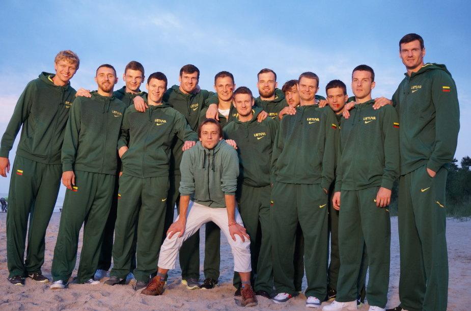 Donatas Ulvydas filmavo krepšinio čempionato anonsą