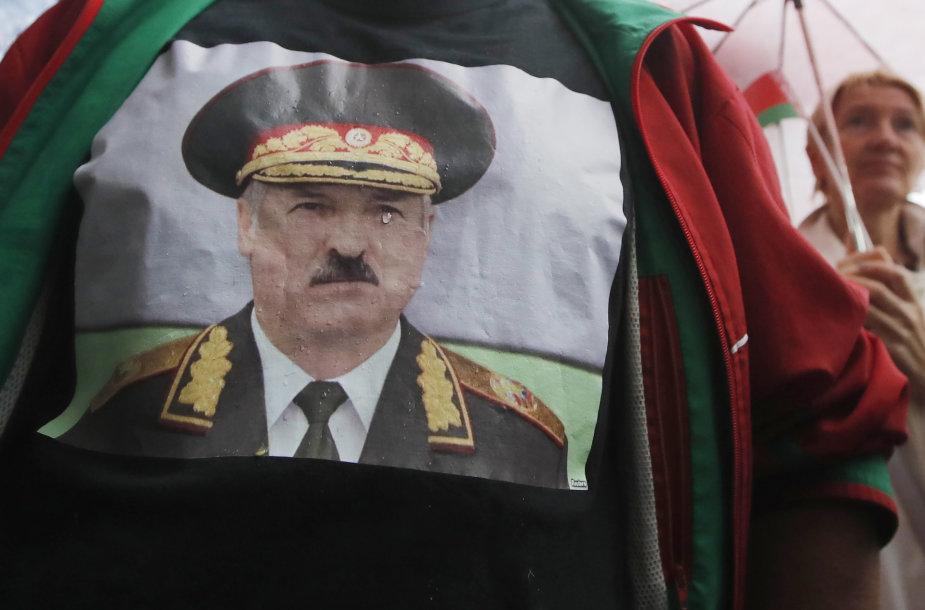 A.Lukašenka įspraustas į kampą