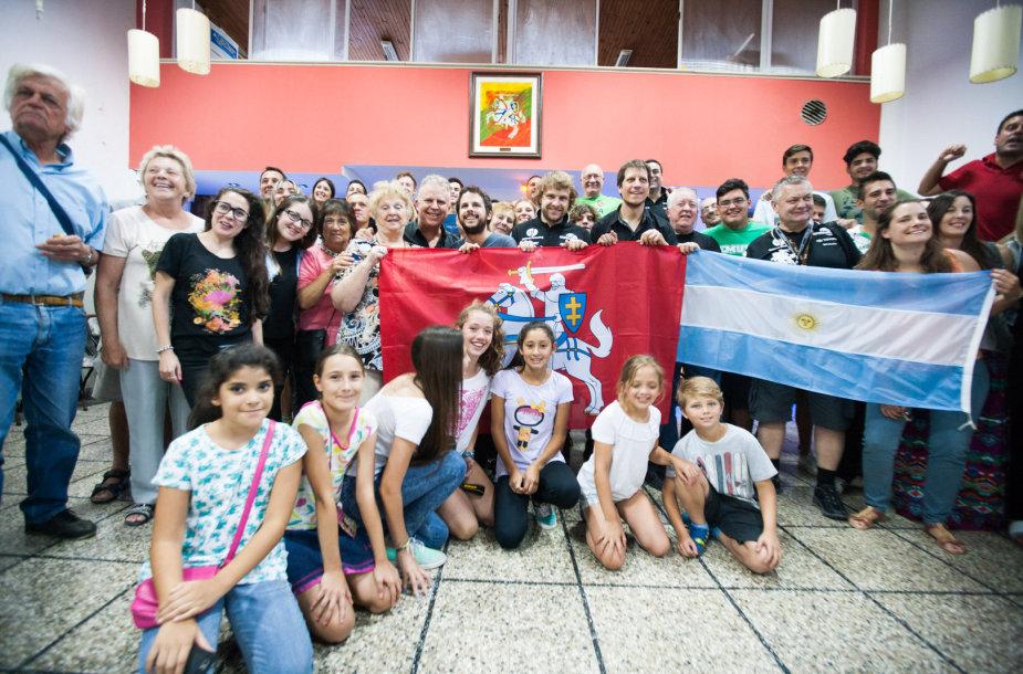 """""""General Financing  –  Autopaslauga by Pitlane"""" komandos susitikimas su Argentinos lietuviais"""