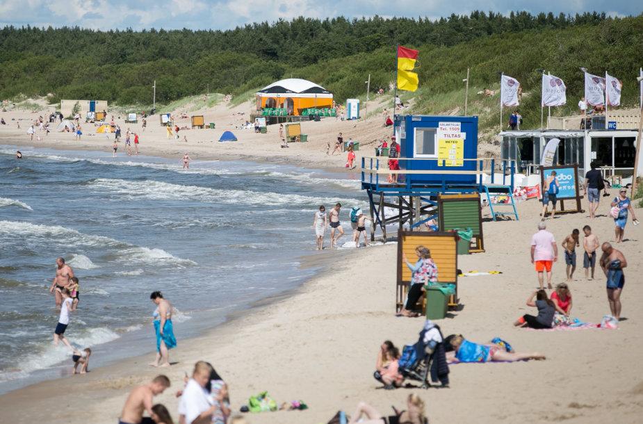 Saulėtas trečiadienis prie Baltijos jūros