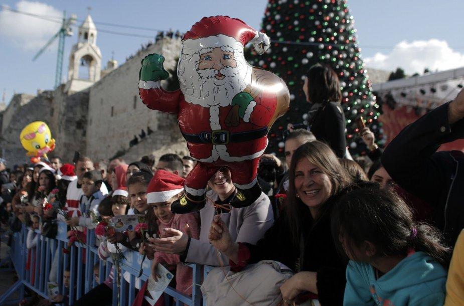Į Betliejų švęsti Kalėdų atvyko tūkstančiai turistų ir piligrimų