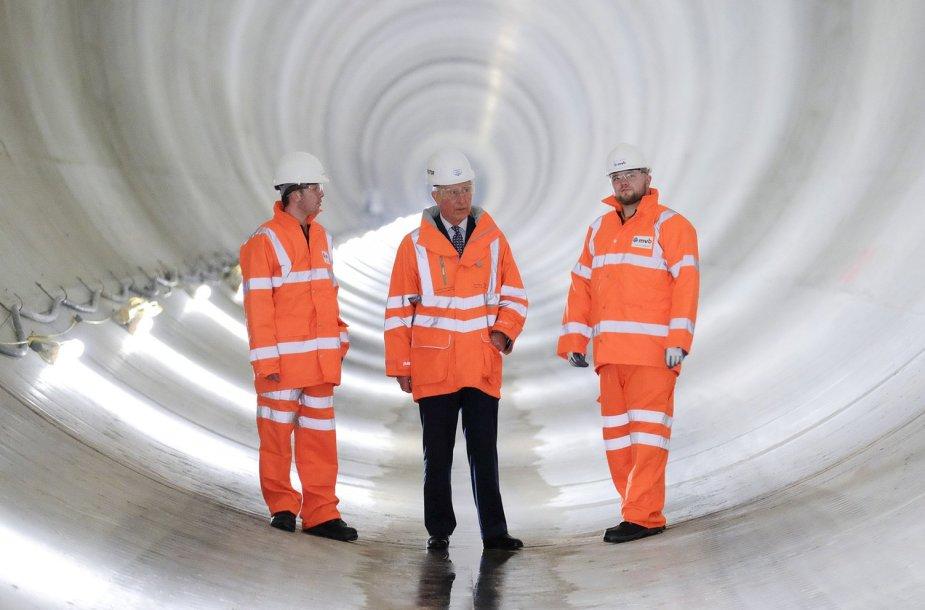 Princas Charlesas kanalizacijos tunelyje