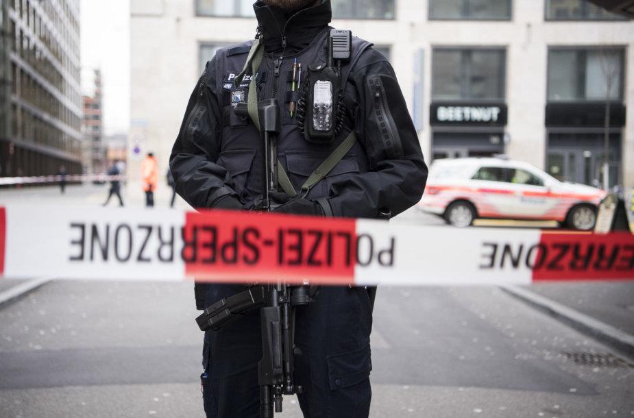 Ciuriche netoli banko UBS biuro nušauti du žmonės