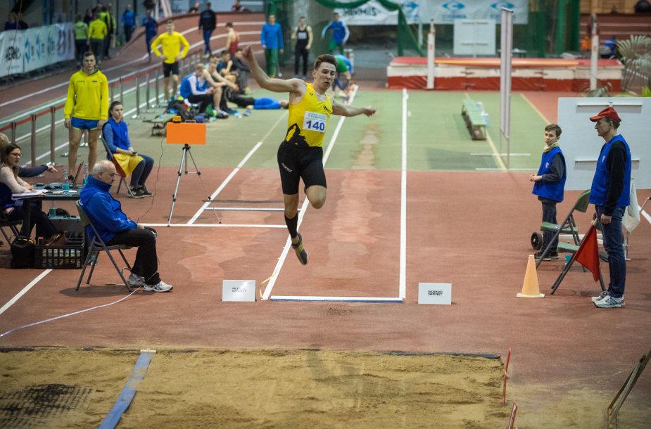 Lengvosios atletikos maniežas Vilniuje