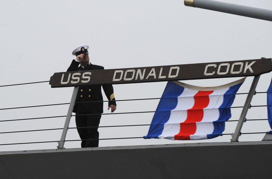 """JAV karinis laivas """"USS Donald Cook"""" Ispanijoje"""