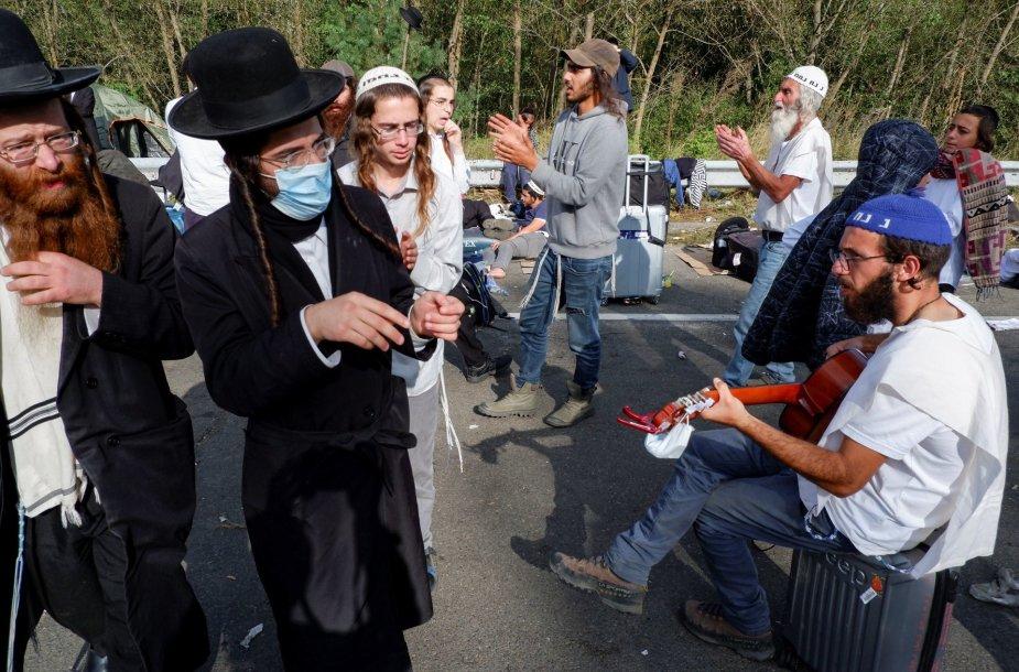 Ukraina dėl koronaviruso neįsileidžia beveik 2 000 žydų chasidų