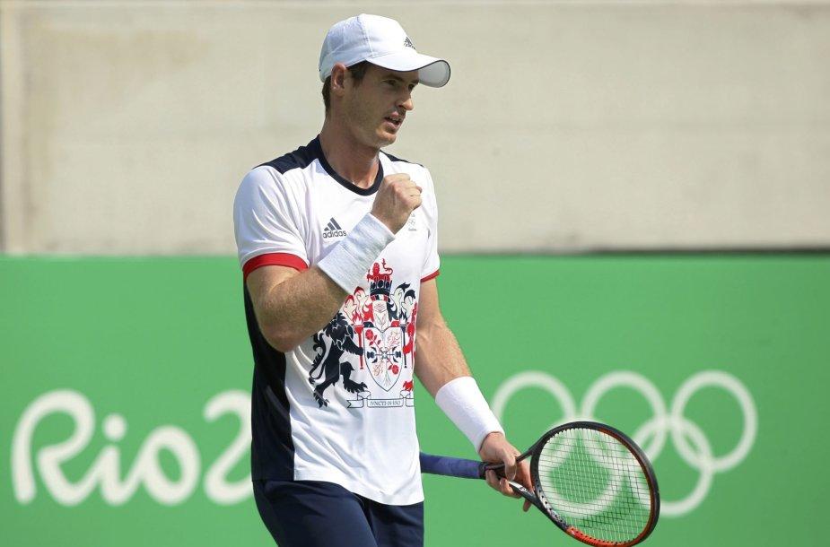 Andy Murray antrame olimpinio teniso turnyro etape nušlavė Juaną Monaco