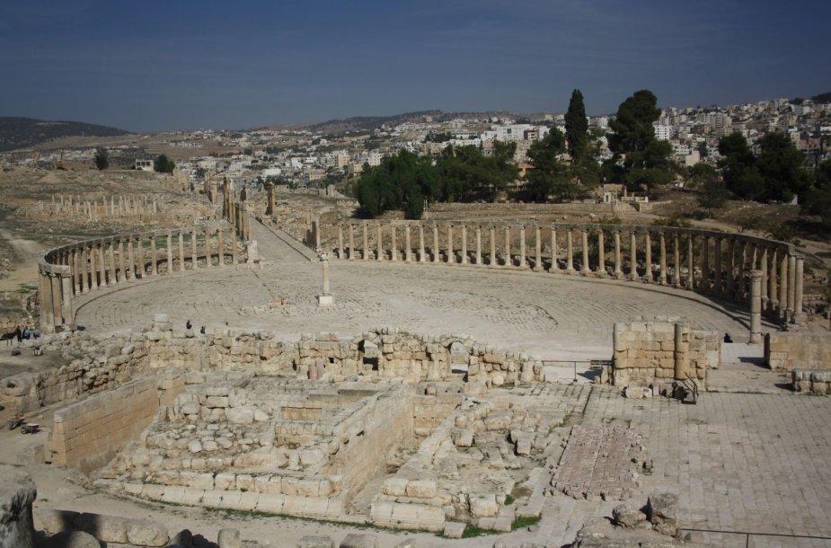 Džerašo romėniškas miestas iš aukštai