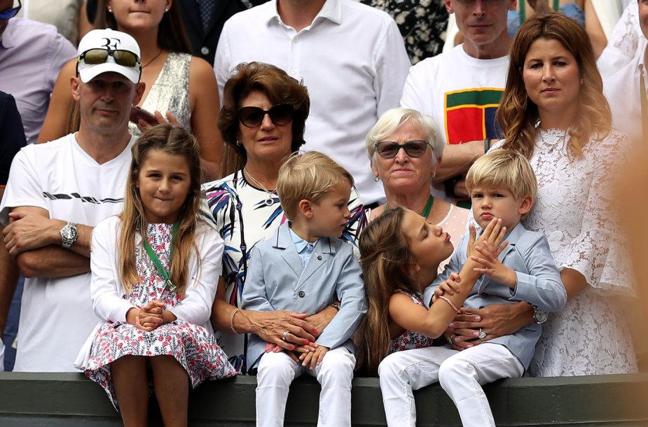 Rogerio Federerio triumfą stebėjo dvynukai