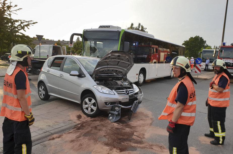 Vokietijoje per autobuso avariją nukentėjo 30 žmonių
