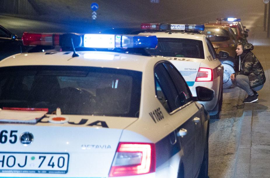 Naktinis kelių policijos reidas Geležino vilko gatvėje
