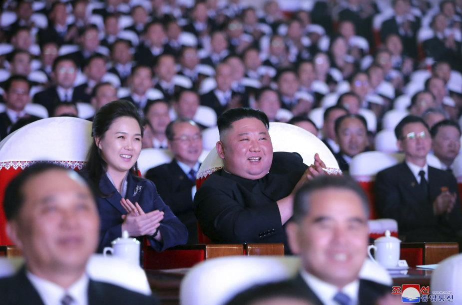 Ri Sol Ju ir Kim Jong Unas