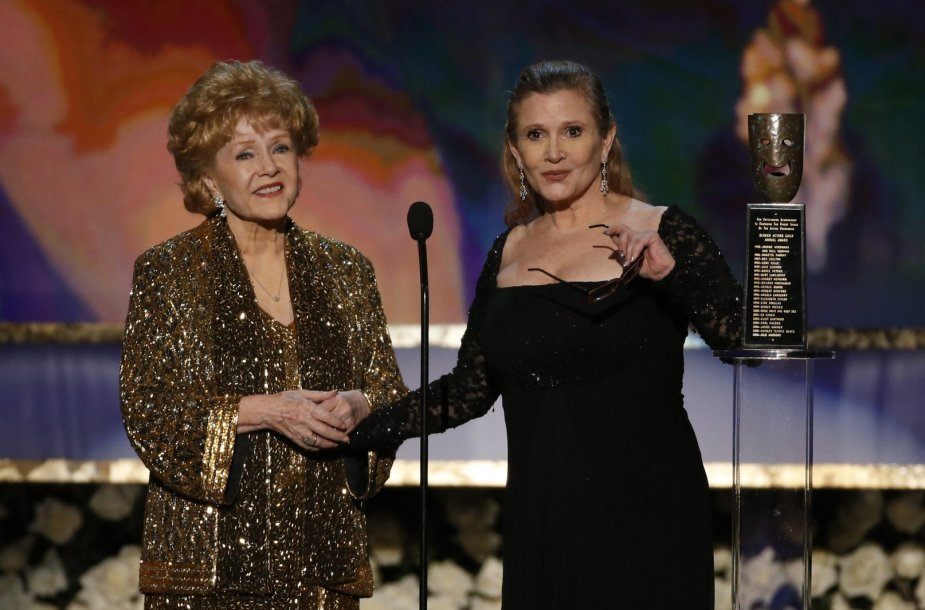 Debbie Reynolds ir Carrie Fisher