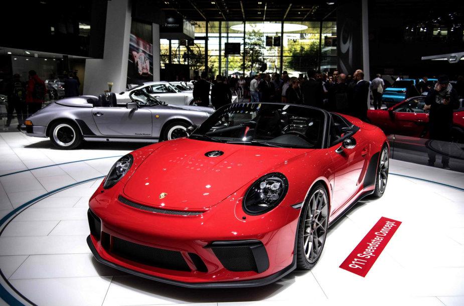 """""""Porsche 911 Speedster"""" Paryžiaus automobilių parodoje"""