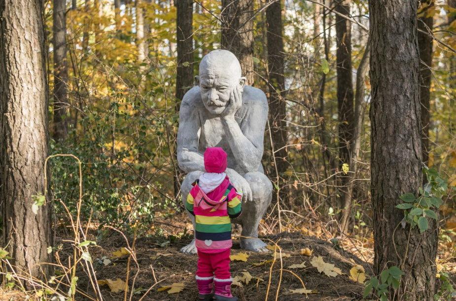 Naujos skulptūros Viršuliškėse