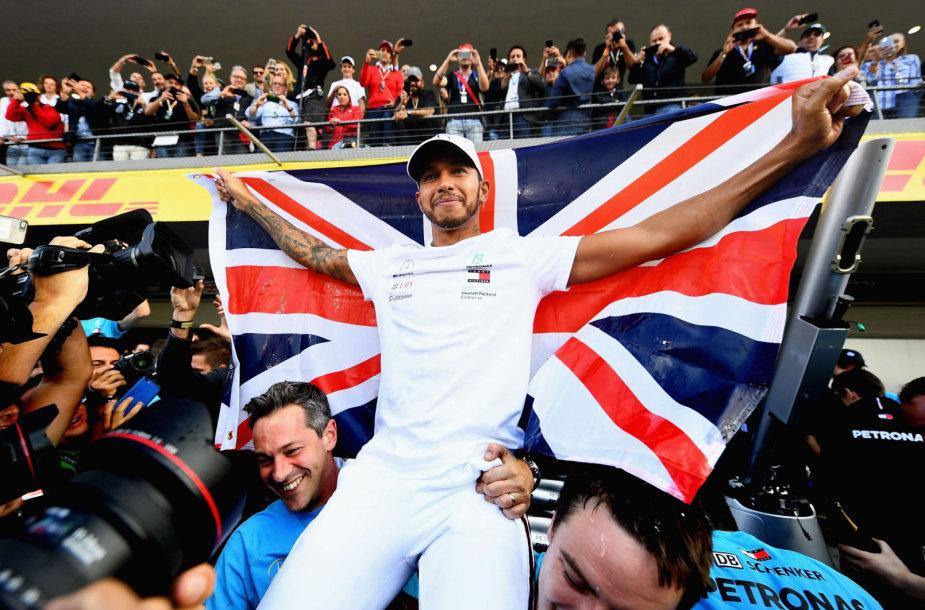 Lewisas Hamiltonas Meksikos GP užsitikrino jau penktą F1 čempiono titulą