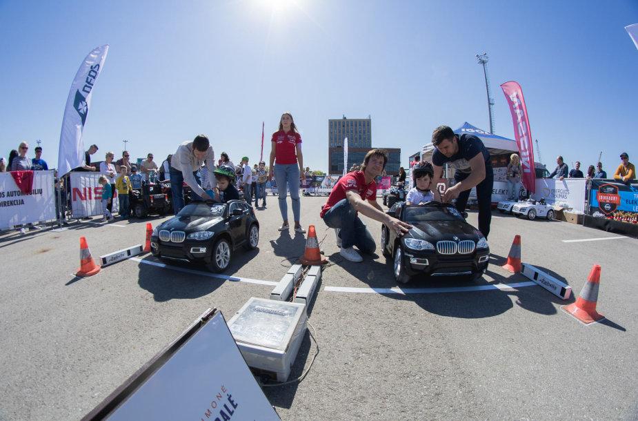 Vaikų lenktynės elektromobiliais Klaipėdoje