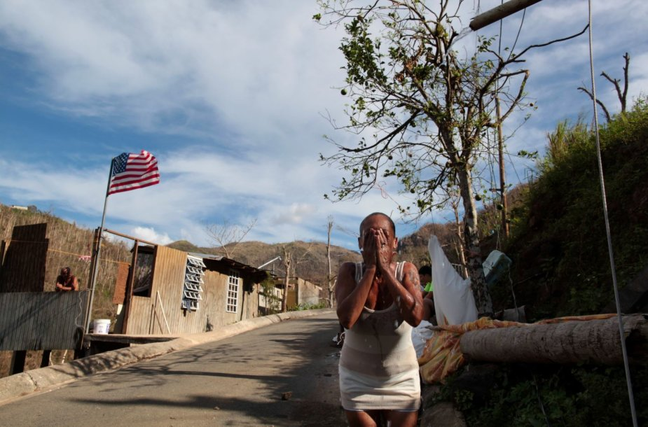 Uraganui Maria sugriovus tiltą, San Lorenzas liko atkirstas nuo pasaulio