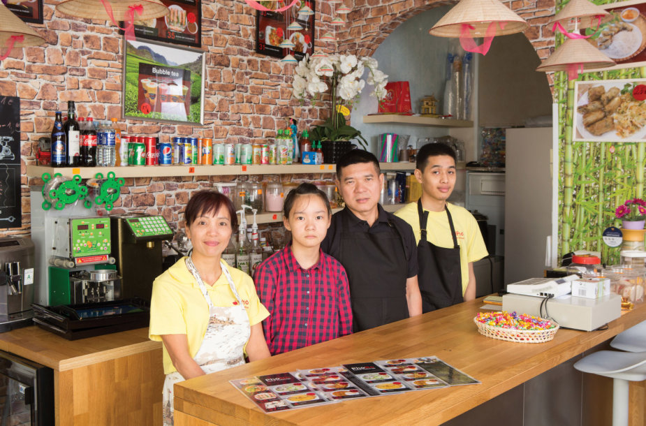 Iš kairės: Nuong Luu Thi, Luu Ly Nguyen Thi, Ban Nguyen The ir Artur Nguyen Kongas