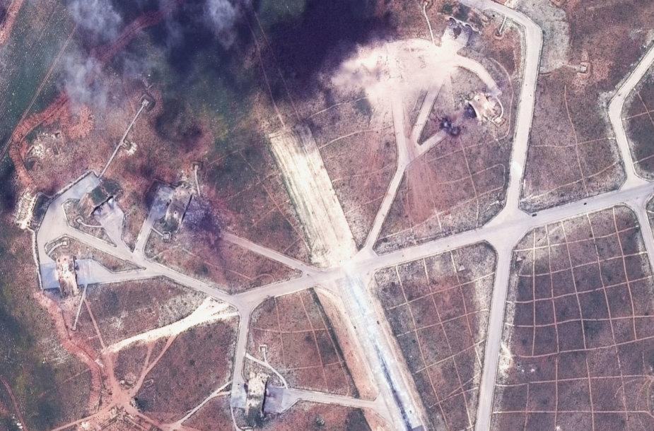 2017 metų balandį JAV subombarduota Šairato oro pajėgų bazė