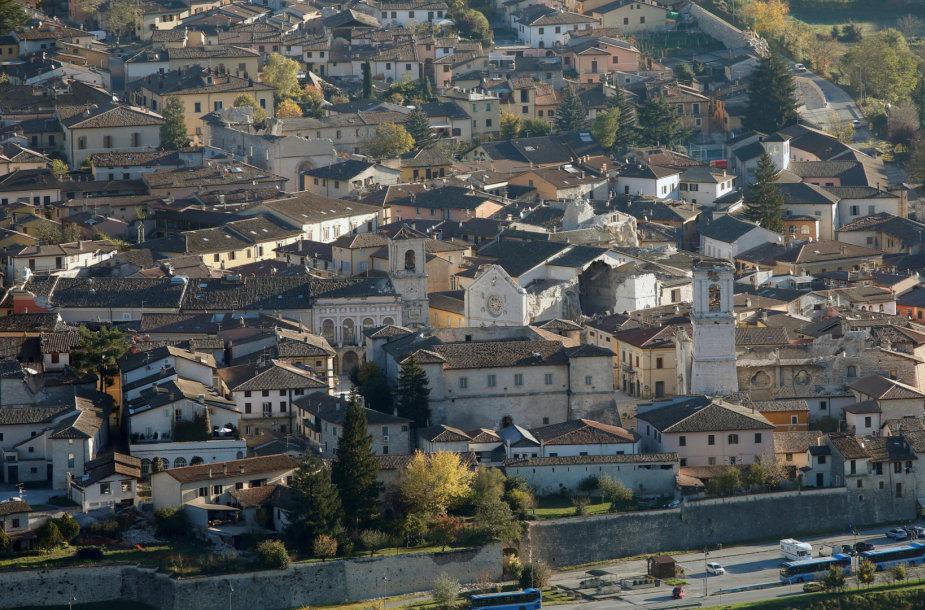 Vidurio Italiją supurtė žemės drebėjimas