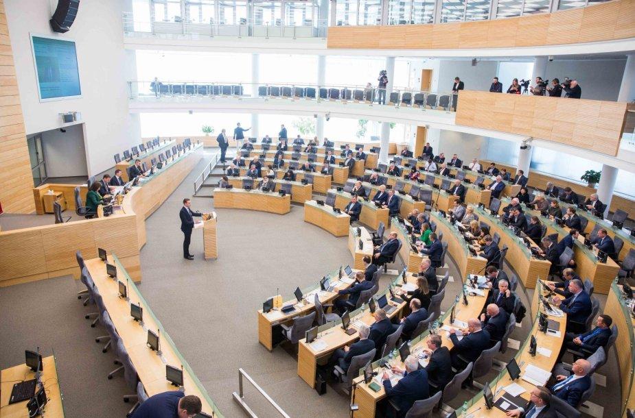 Parlamente pateikta idėja birželį Seimą rinkti iš naujo
