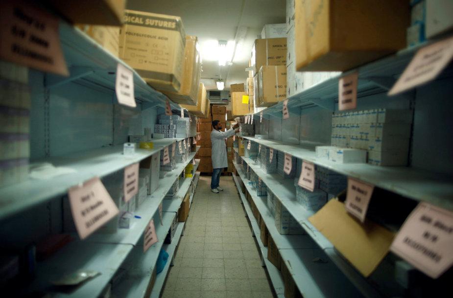 Gazoje pradeda trūkti kuro ir vaistų