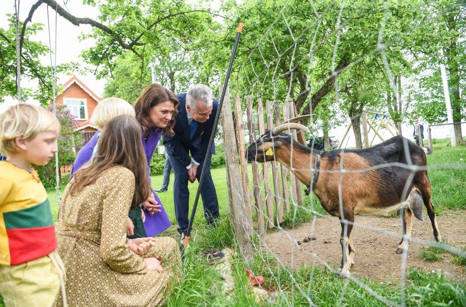 Chockevičių šeima sulaukė garbių svečių – pirmosios šalies poros – Gitano ir Dianos Nausėdų.