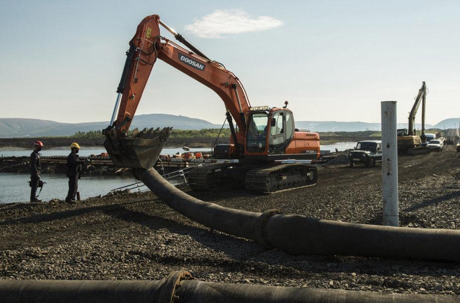 Į Arkties tundrą Norilske pumpuojamos skystos atliekos