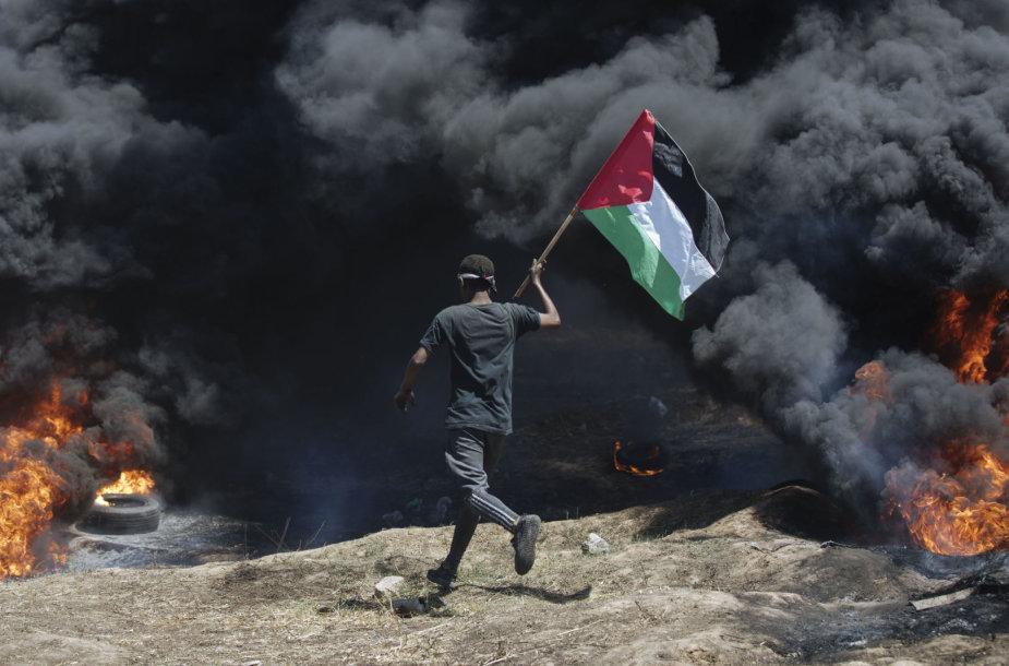 Protestuotojai prie Gazos Ruožo sienos su Izraeliu