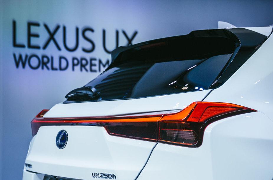 """""""Lexus"""" pristatė naująjį UX"""