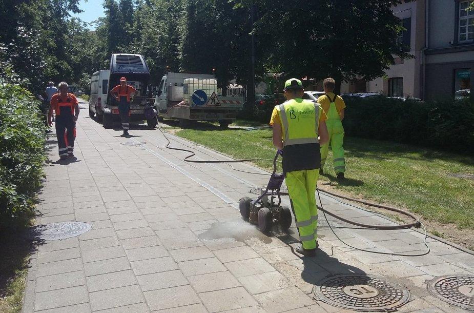 Vilniuje netrukus nebeliks ant šaligatvių nupieštų dviračių takų linijų