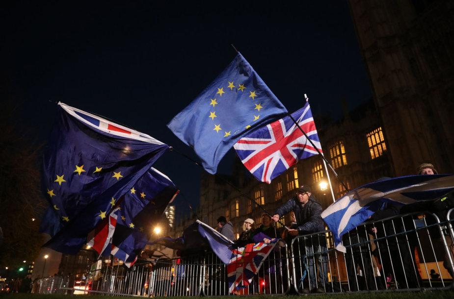 ES ir Jungtinės Karalystės vėliavos