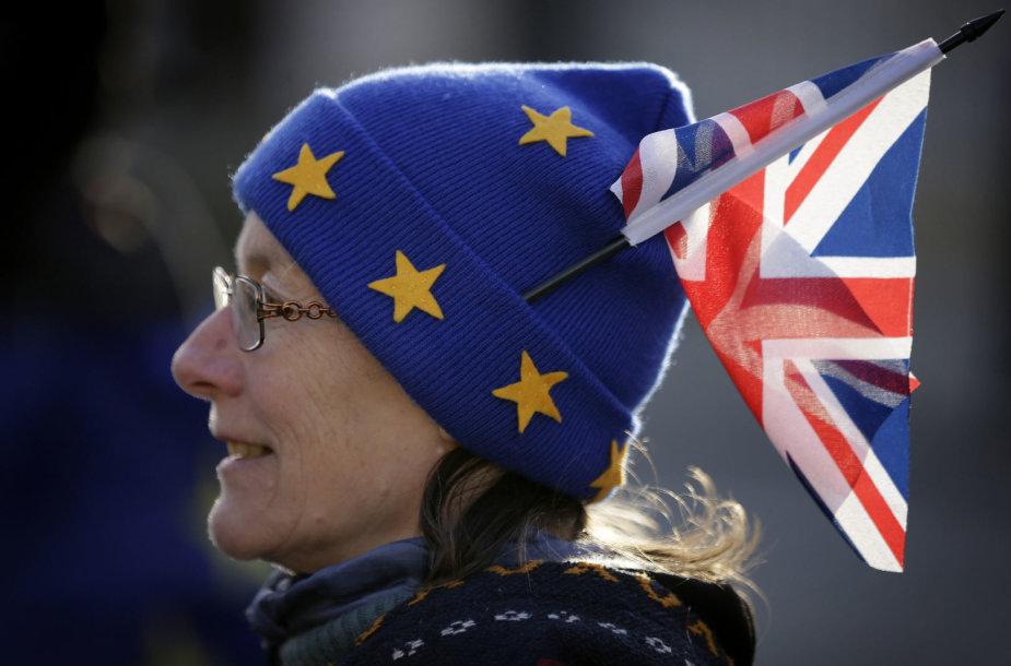 """Britų dauguma norėtų antro referendumo """"Brexit"""""""