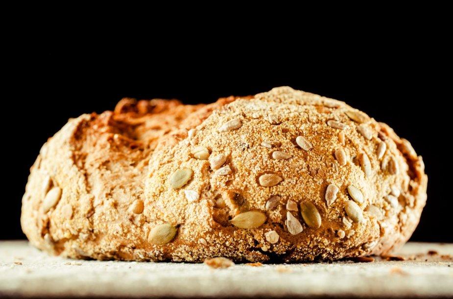 Duona su įvairiomis sėklomis