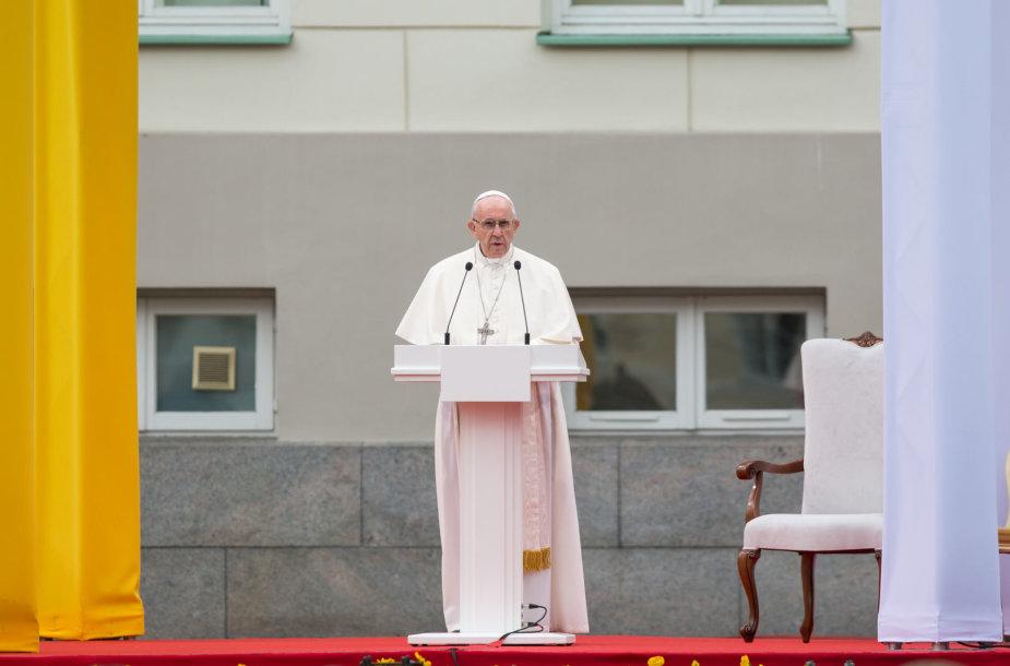 Popiežiaus susitikimas su visuomene S.Daukanto aikštėje
