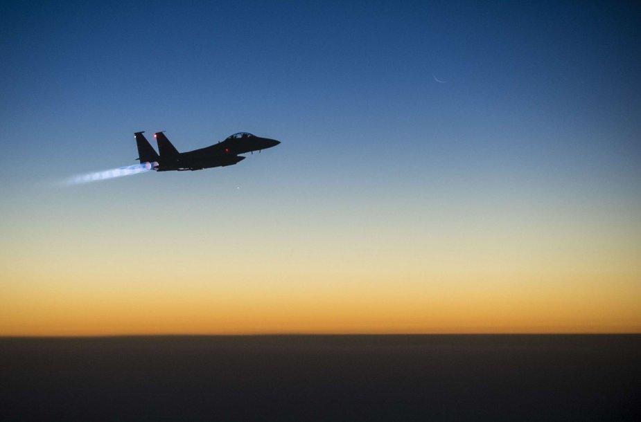 """Naikintuvas """"F-15"""""""