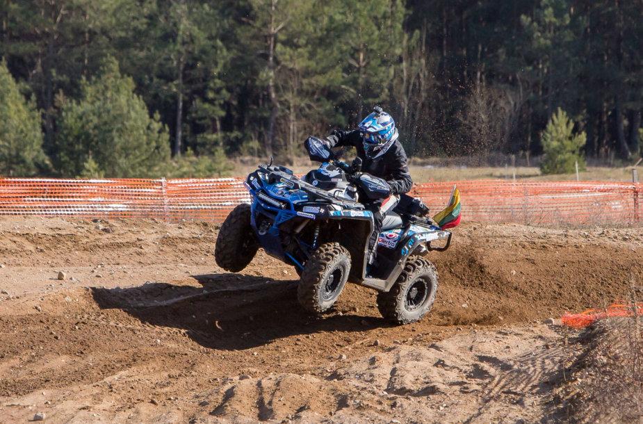 """""""ATV Fanai Racing Team"""" išbandė patobulintus keturračius"""
