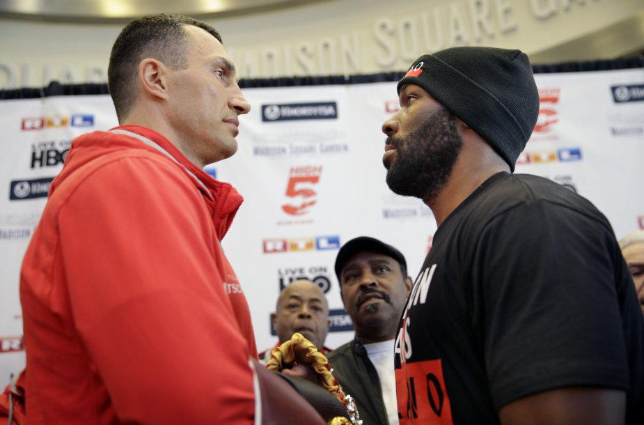 Bryantas Jenningsas ir Vladimiras Kličko prie bokso dvikovą