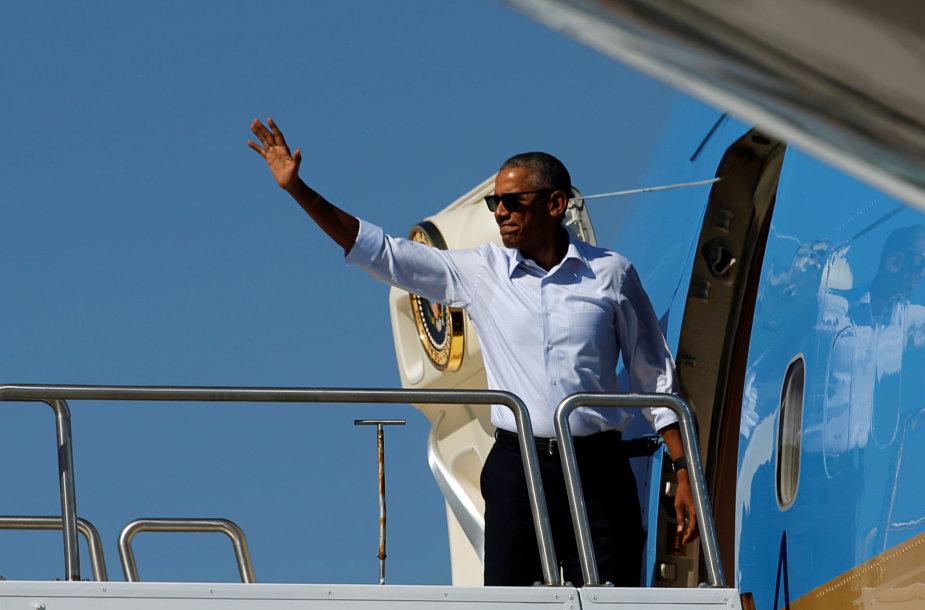 Barackas Obama išskrenda į Midvėjaus Atolą