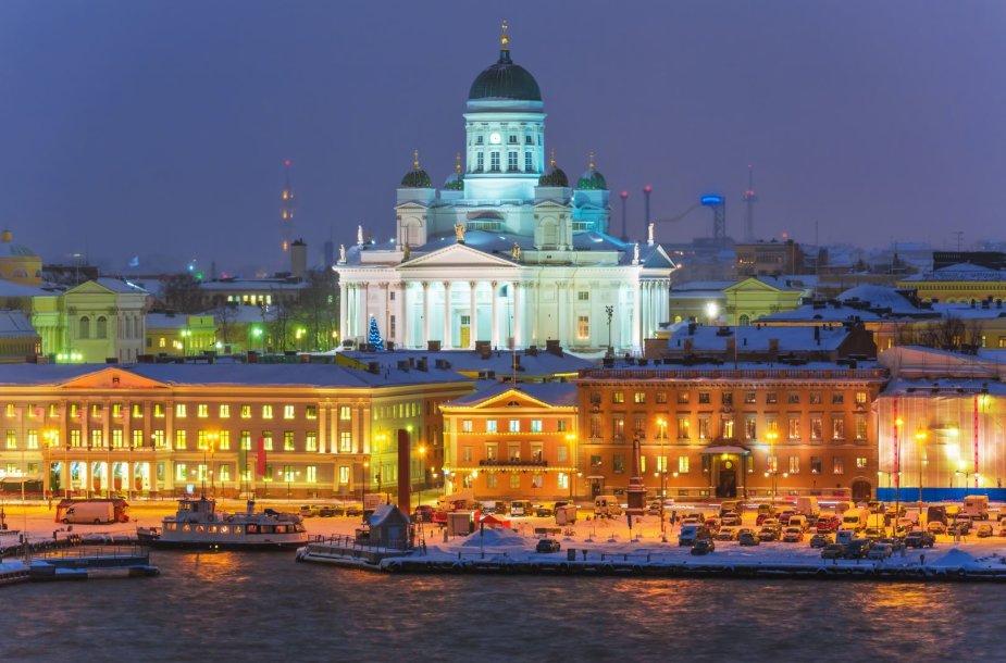 Šventiniam sezonui pasiruošęs Helsinkis ir virš miesto iškilusi jo katedra