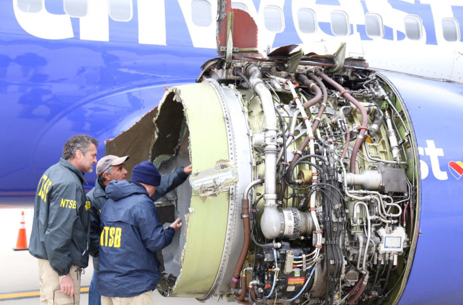 """Avariniu būdu nusileidęs bendrovės """"Southwest Airlines"""" lėktuvas"""