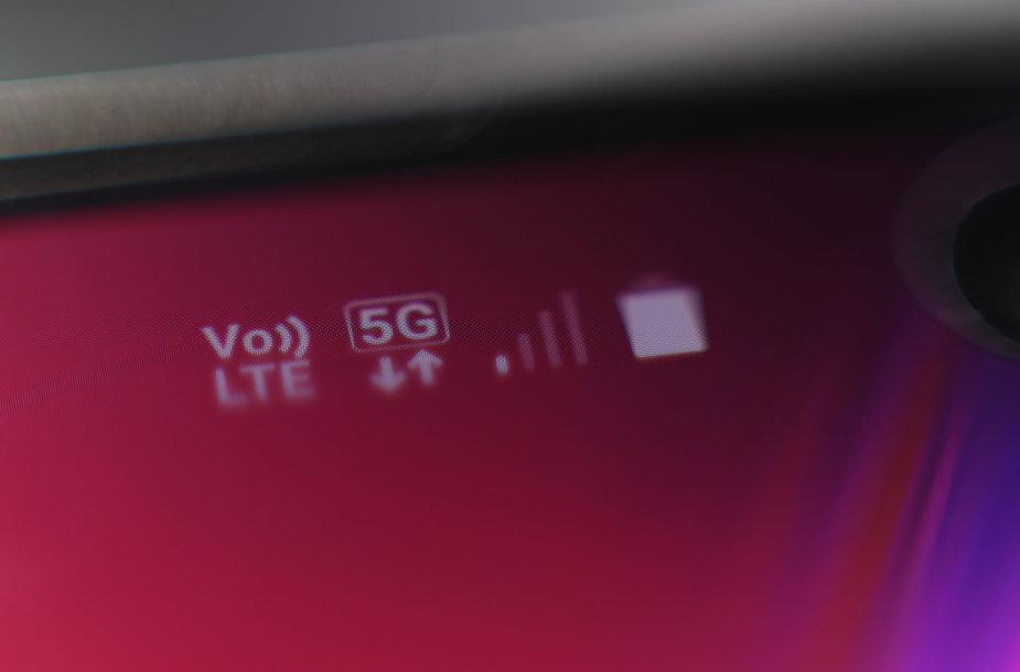 Telefonas su veikiančiu 5G ryšiu
