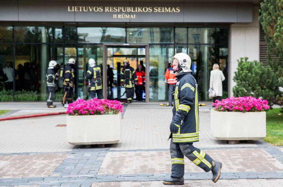 Gaisro gesinimo ir žmonių evakavimo Seimo II rūmuose pratybos