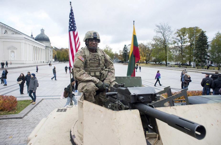 JAV karių išlydėtuvės