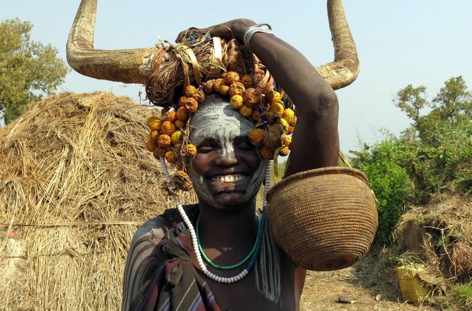 Kai kurios Etiopijoje gyvenančios gentys yra išsaugojusios unikalią tapatybę