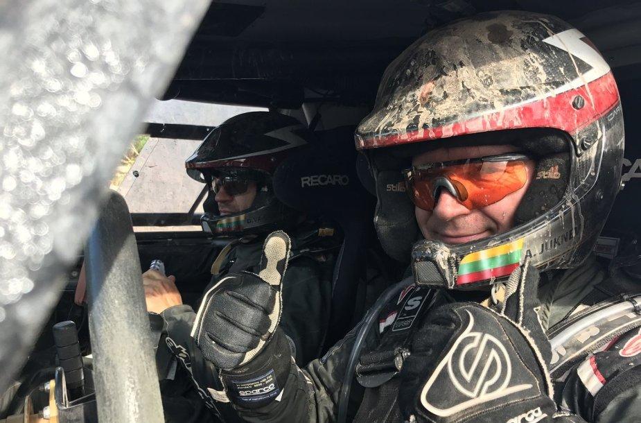 A. Juknevičius ir D. Vaičiulis po 4 Dakaro etapo