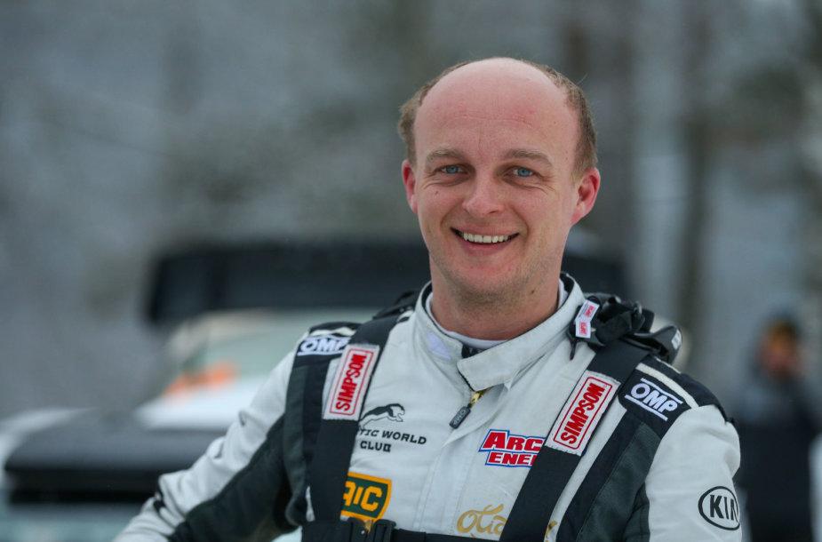 Lietuvių WRC komanda serviso zonoje